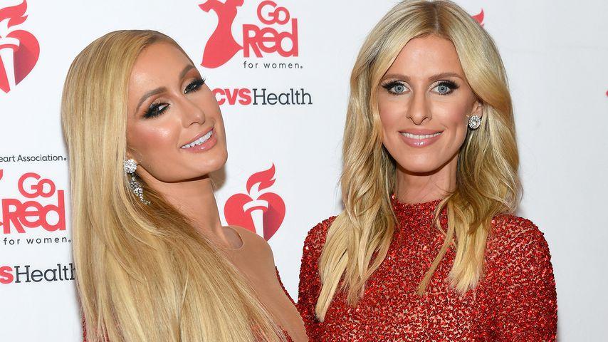 """Paris und Nicky auf der """"American Heart Association's""""-Kleiderausstellung in NYC, Februar 2020"""