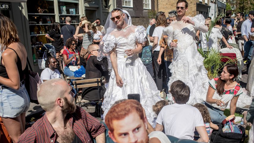 Irre Bilder: So ging die Royal Wedding in den Pubs ab!