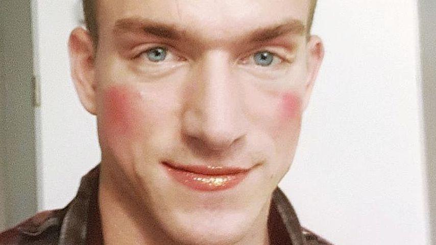 BTN-Star Patrick Fabian: Warum trägt er hier bitte Make-up?