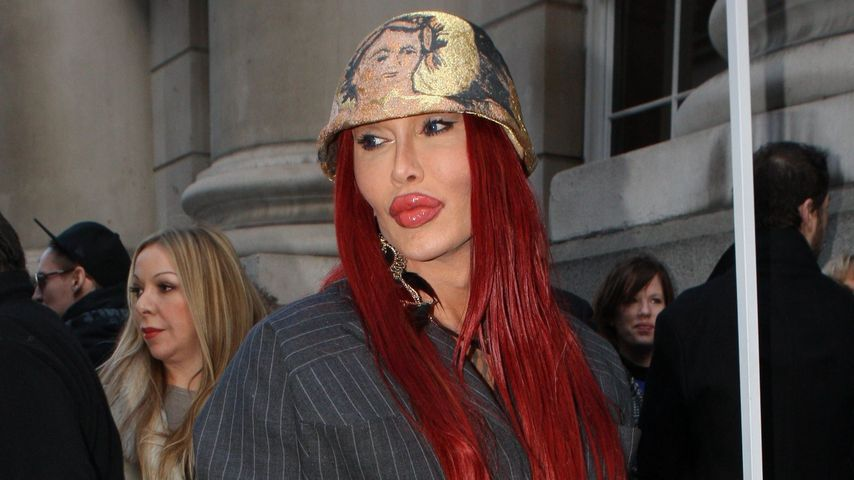 "Pete Burns bei der ""Vivienne Westwood Women Show 2012"" in London"