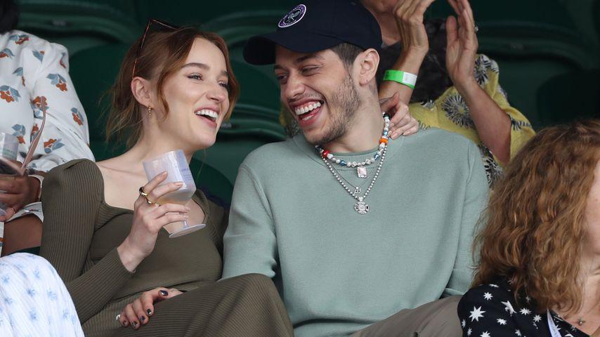 Phoebe Dynevor und Pete Davidson in London im Juli 2021