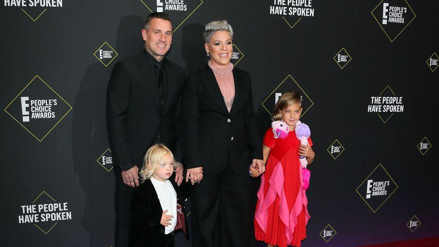 Vorzeige-Familie: Pink mit Mann & Tochter auf dem Red Carpet
