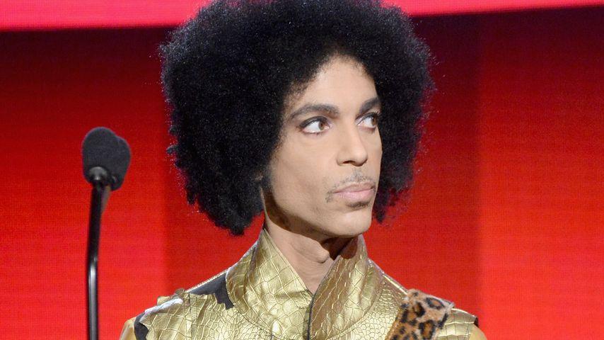 Jet musste notlanden: Prince nach Zusammenbruch in Klinik