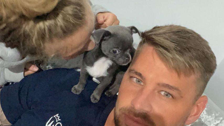Princess und Carl Woods mit ihrem neuen Hund