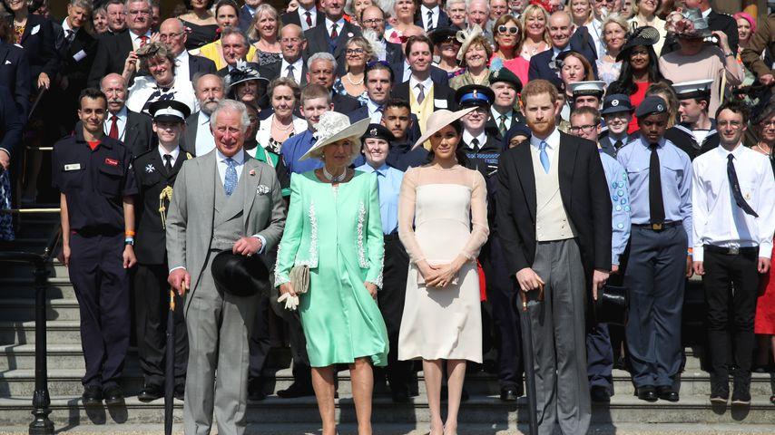 Herzogin Meghan: So schlichtet sie zwischen Harry & Charles