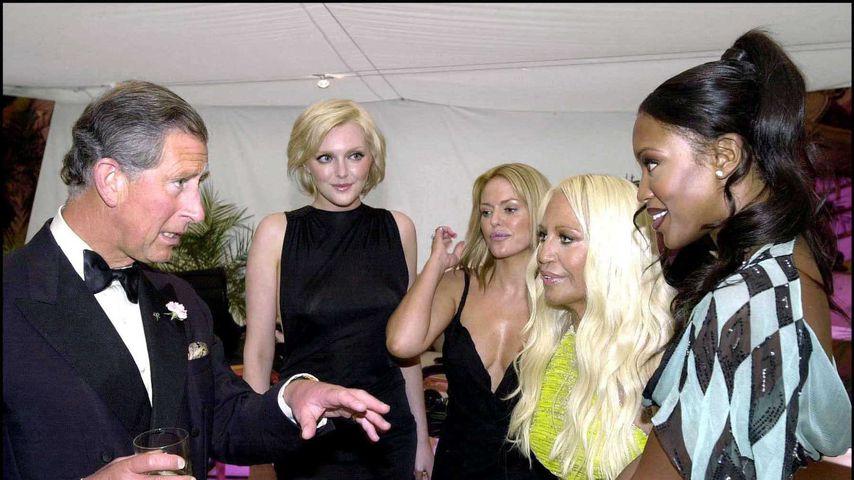 Prinz Charles und Naomi Campbell im Juni 2001
