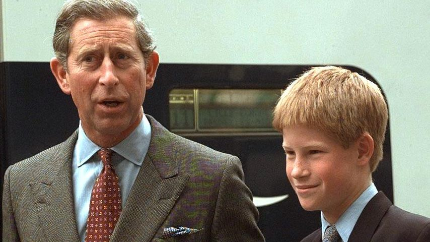 Prinz Charles und Prinz Harry im Juni 1998