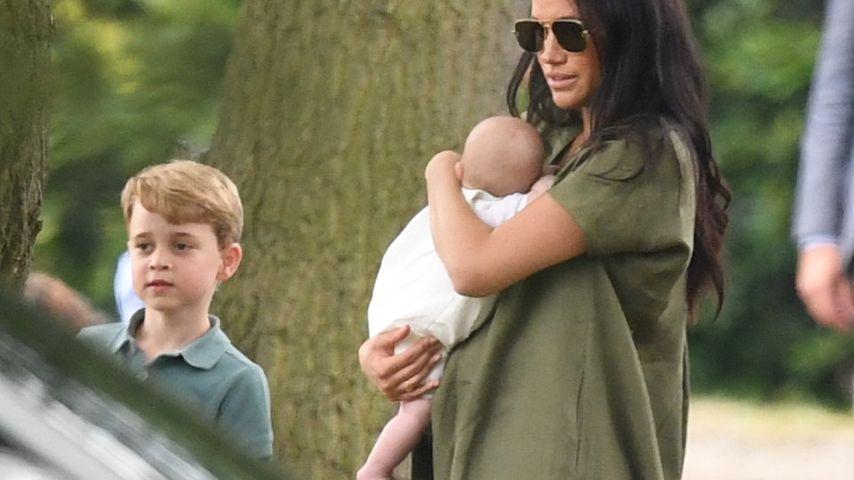 Mama-Kritik: Hält Herzogin Meghan hier Baby Archie falsch?
