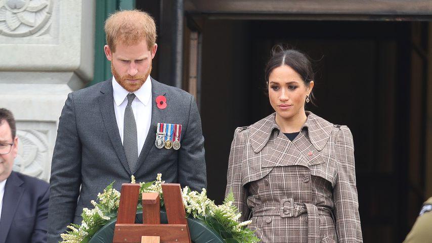 Wurden Harry und Meghan bewusst aus Königsfamilie gedrängt?