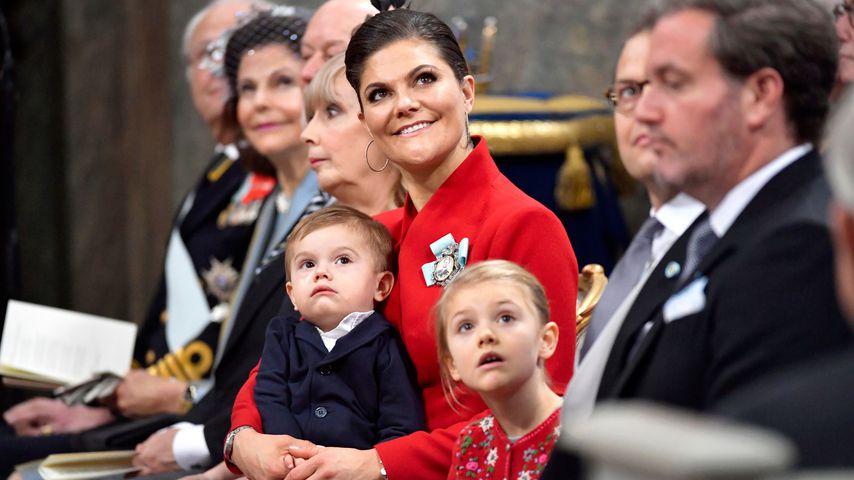 Prinz Oscar, Prinzessin Victoria und Prinzessin Estelle bei Prinz Gabriels Taufe