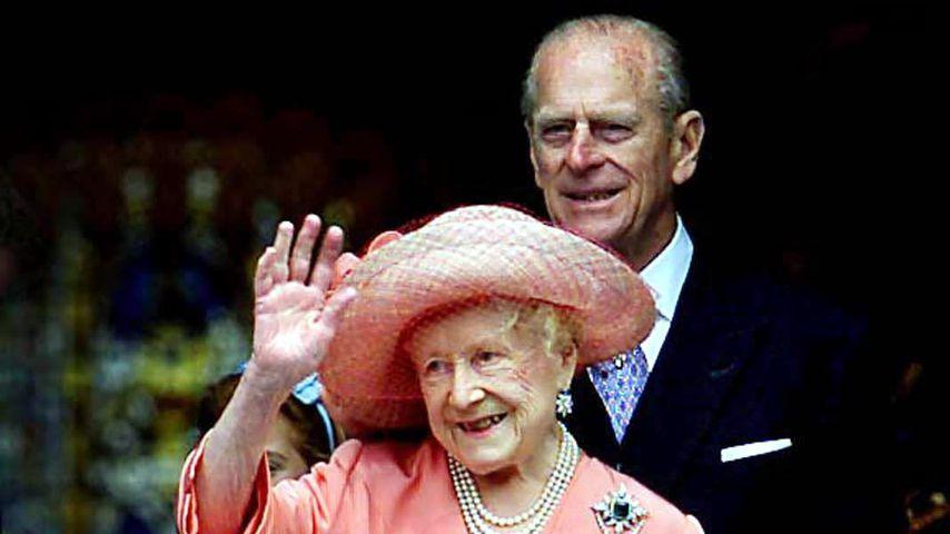 Prinz Philip mit seiner Schwiegermutter Elizabeth, Juli 2000