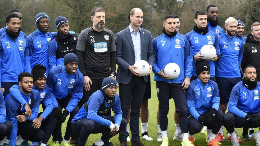 Mit Trikot-Geschenk: Fußballverein provoziert Prinz William