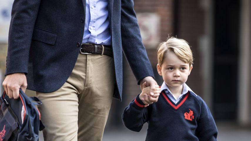 Prinz William und sein Sohn Prinz George vor der Schule