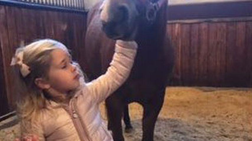 Royaler Pferdefan: Prinzessin Leonore ist total entzückt!