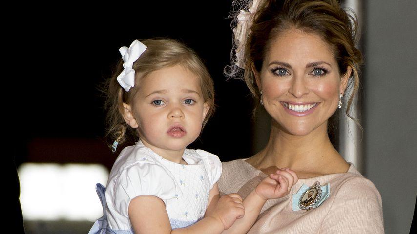 Prinzessin Madeleine mit Leonore bei der Taufe von Prinz Oscar
