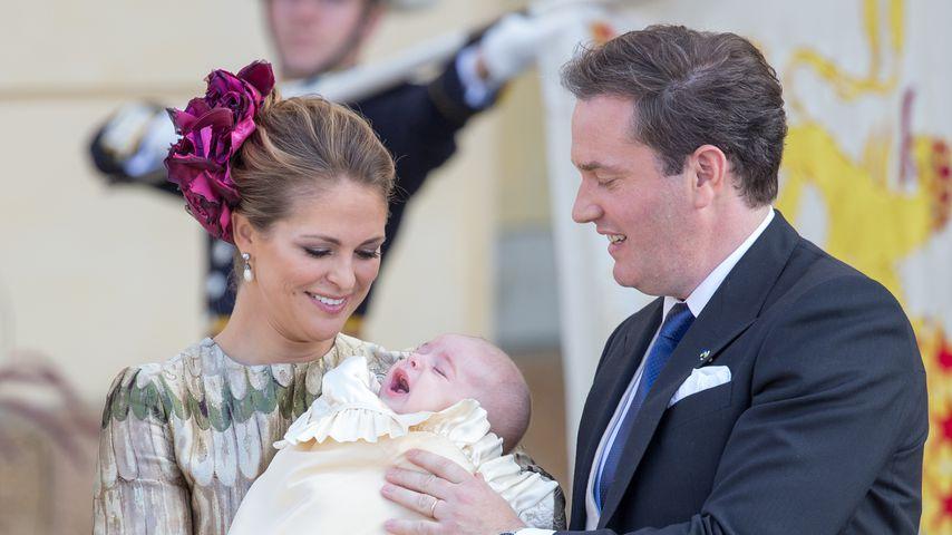 Prinzessin Madeleine: Ihr kleiner Nicolas kuschelt mit Santa
