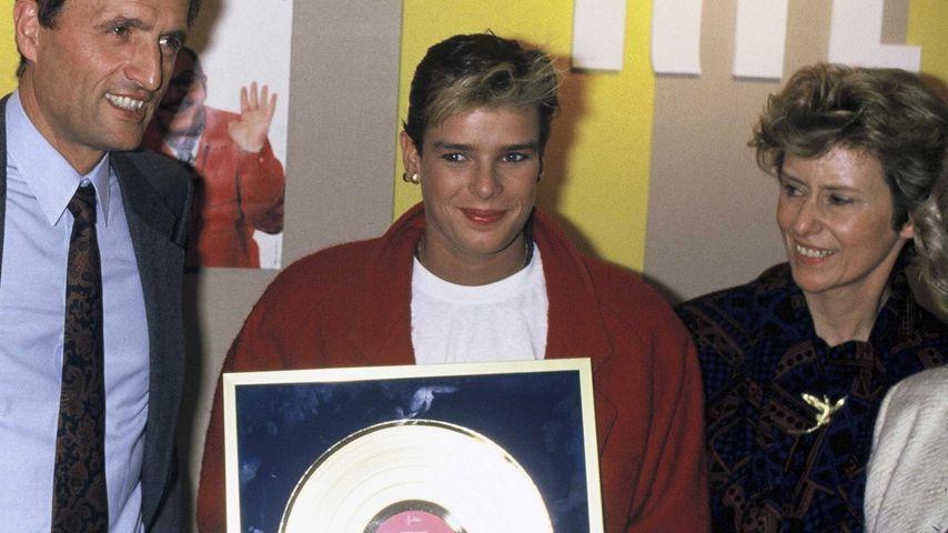 Prinzessin Stéphanie von Monaco 1987 bei der Übergabe ihrer goldenen Schallplatte