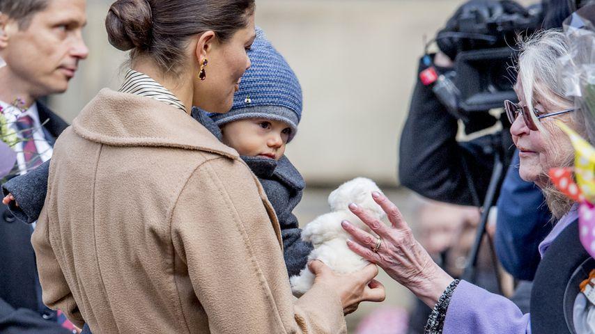 Kronprinzessin Victoria mit Sohn Prinz Oscar bei den Feierlichkeiten anlässlich ihres Namenstags