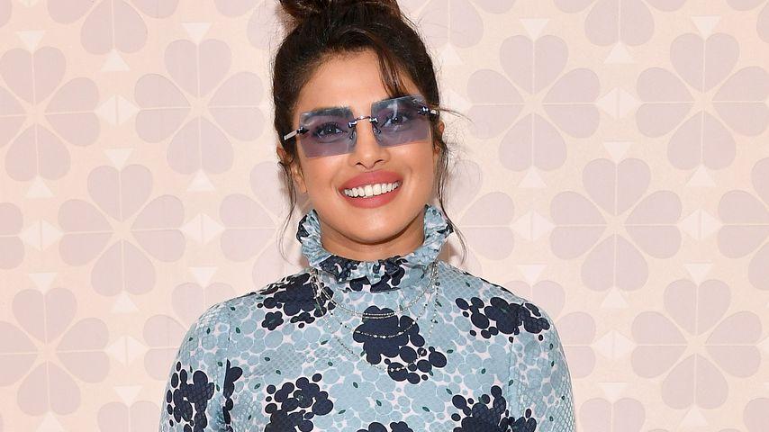 Stylischer Nuller-Look: Priyanka Chopra im Blümchendress