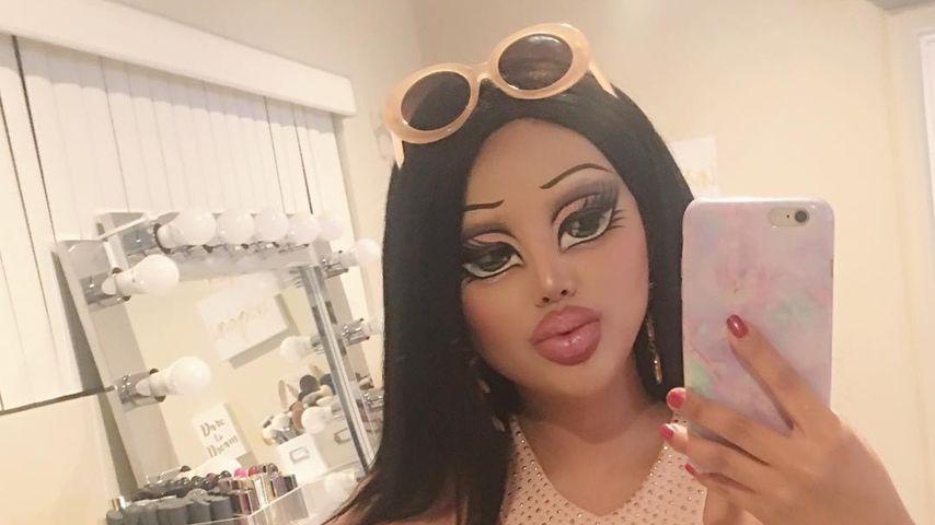 Wahnsinnig gut! Diese Frau schminkt sich zur Real-Life-Doll