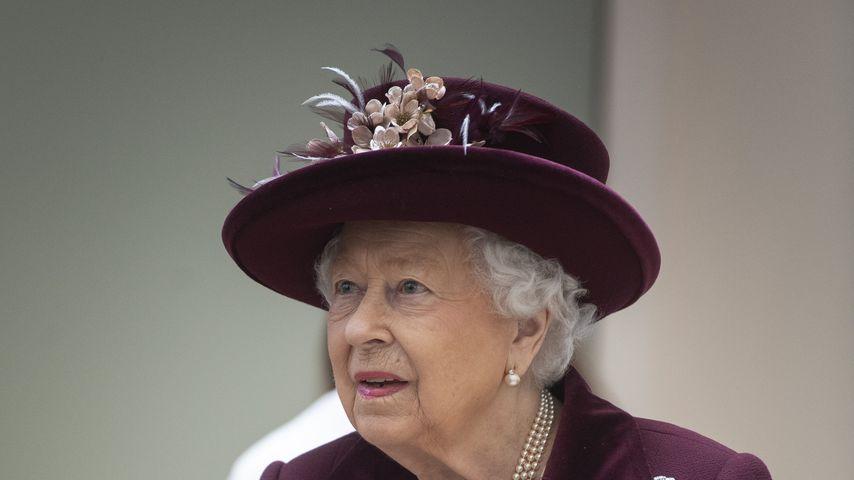 Die Queen trug wegen Viren-Gefahr bei Zeremonie Handschuhe!