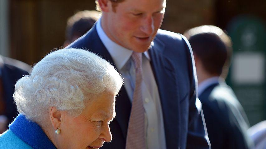 Prinz Harry und Queen Elizabeth II.
