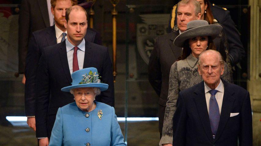 Queen Elizabeth II., Prinz Philip, Prinz William, Herzogin Kate und Prinz Harry