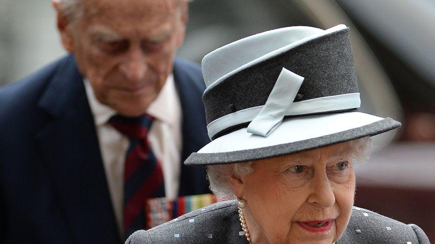 Queen Elizabeth II. vor dem Westminster Abbey