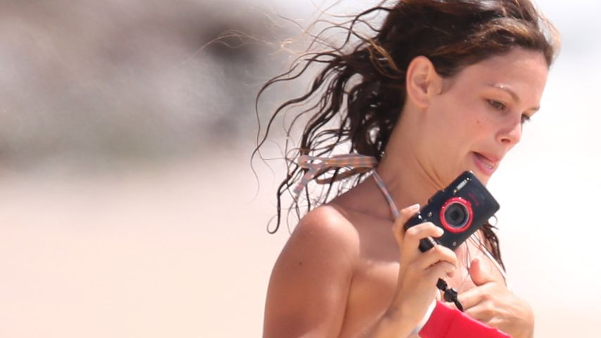 Im Bikini: Sexy Rachel Bilson hat alles im Griff