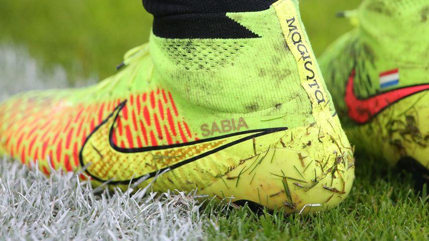 Rafael van der Vaart kickt wieder mit Sabia-Schuh