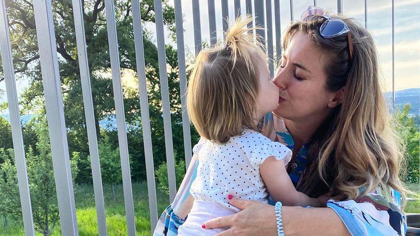 Ramona Stöckli mit ihrer Tochter Clea Sophie, Mai 2020