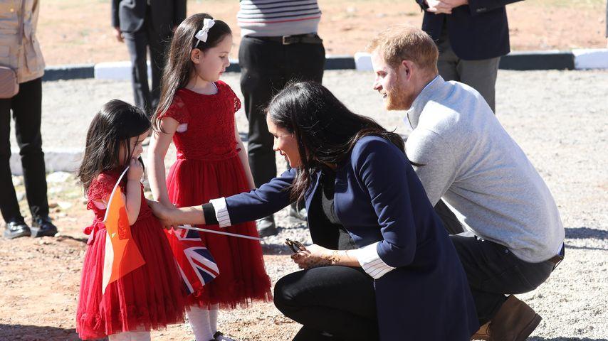 Rayhana und Rainia Minejem mit Herzogin Meghan und Prinz Harry