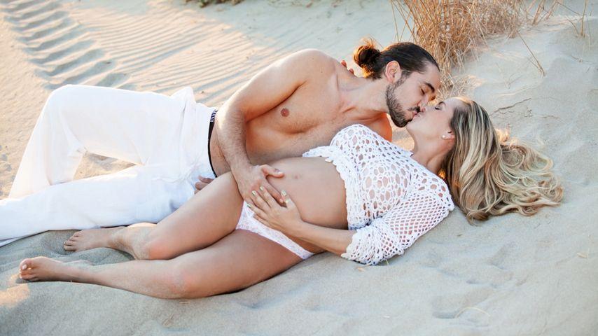 Rebecca Kratz & Freund: Glückliches Baby-Bauch-Shooting