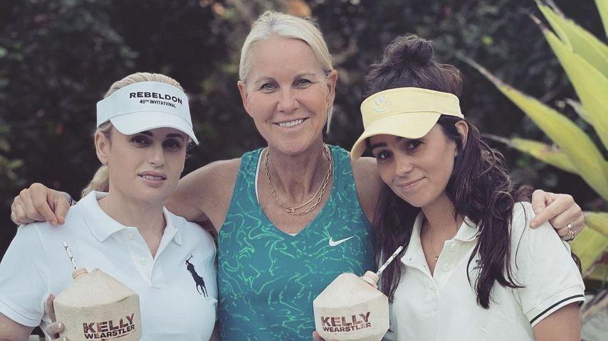 Total knackig: Rebel Wilson zeigt sich in sexy Tennisdress