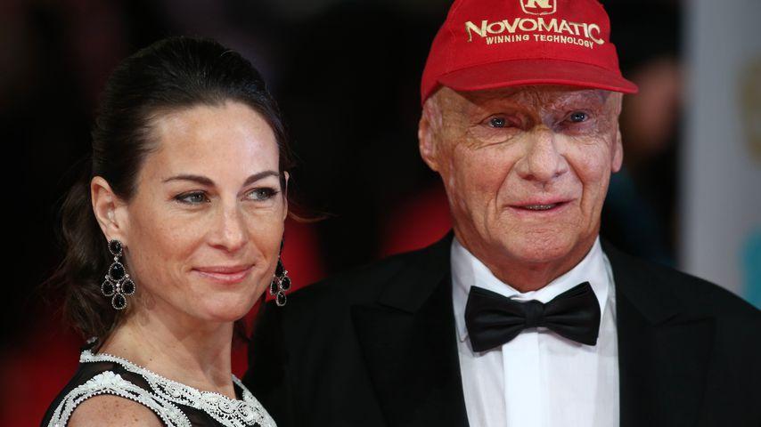 Rennfahrer Niki Lauda (rechts) und seine Frau Birgit