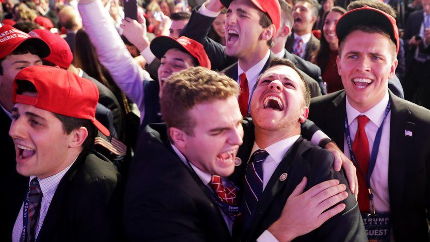 Begeisterte Republikaner nach dem für sie positiven Wahlergebnis aus Iowa