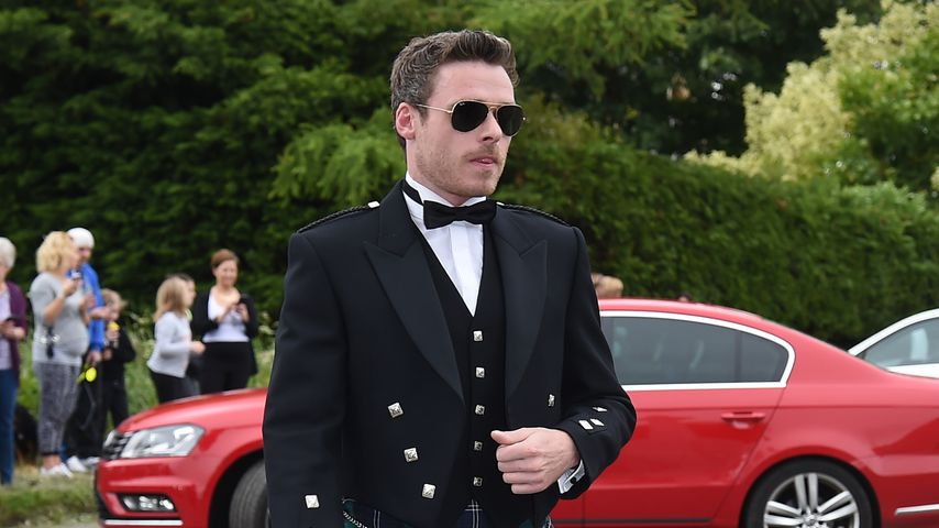Echter Schotte: Richard Madden trägt Kilt zur GoT-Hochzeit!