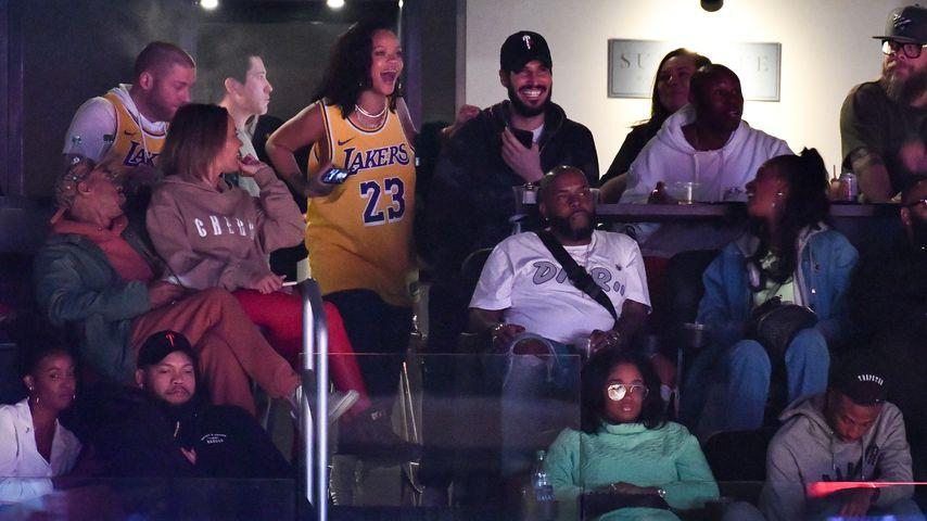 Gesichtet! Rihanna & Hassan turteln beim Basketball