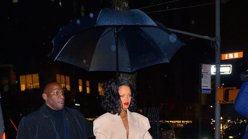 "Dank ""Umbrella"": So cool trotzt Popstar Rihanna dem Regen"