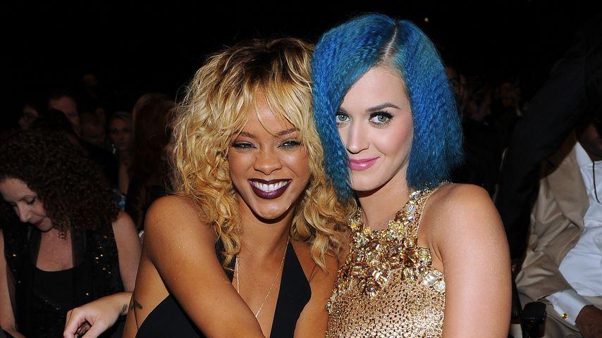 Rihanna und Katy Perry bei den Grammys 2012