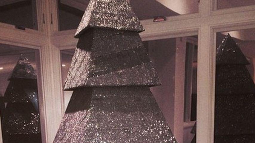 """Kunst-Tanne: Wem gehört dieser """"Weihnachtsbaum""""?"""