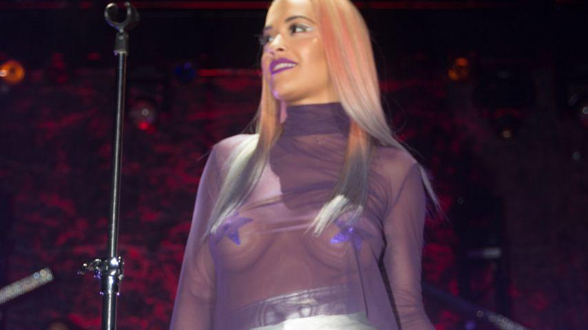 Sexy Transparenz-Look: Rita Ora trägt Nippel-Pasties