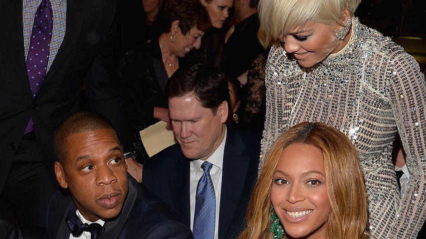 Rita Ora mit Jay-Z und Beyoncé