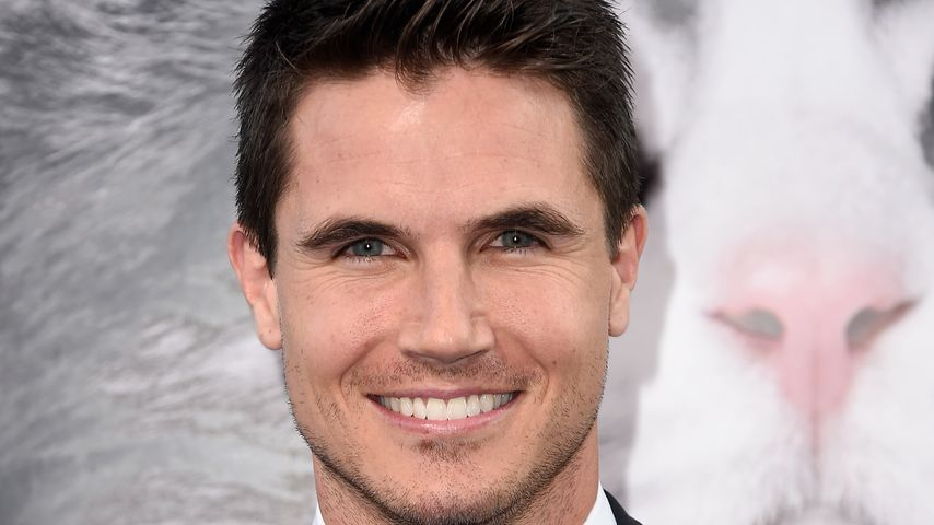 Robbie Amell bei der Premie von EuropaCorp's 'Nine Lives' 2016 in Hollywood
