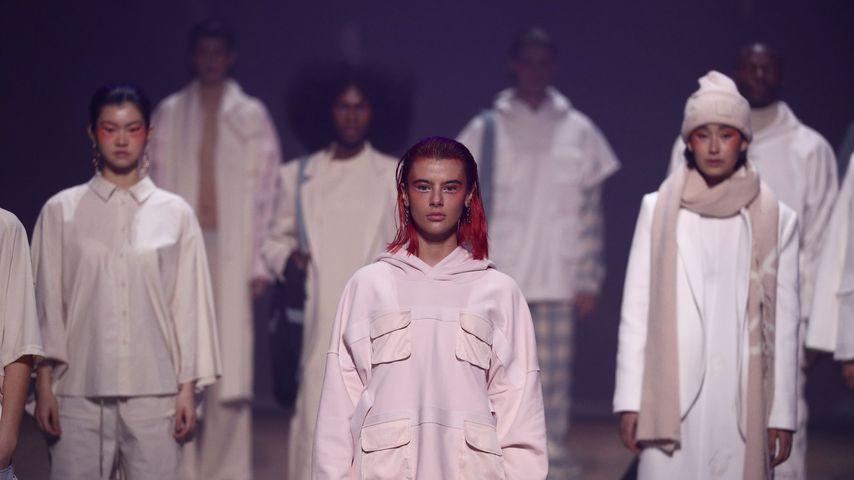 Romina Palm für Elias Rumelis auf der Berlin Fashion Week im Januar 2021