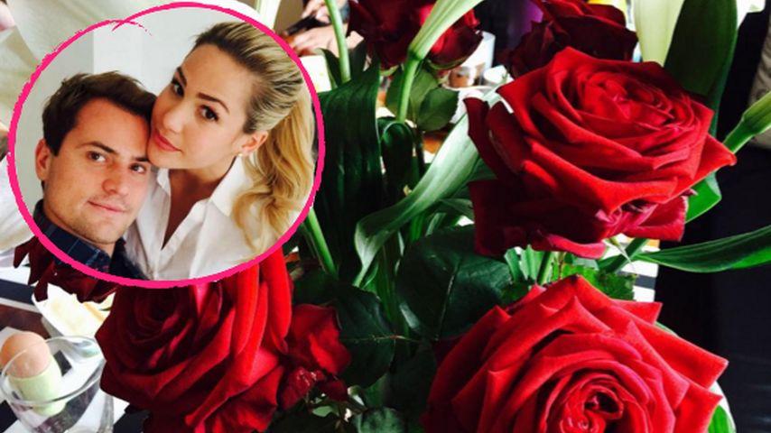1 Monat Roccolina: Rocco verwöhnt Angelina mit roten Rosen!