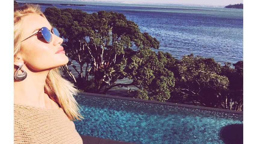 Cindy Crawford shares flawless morning selfie | Rosie