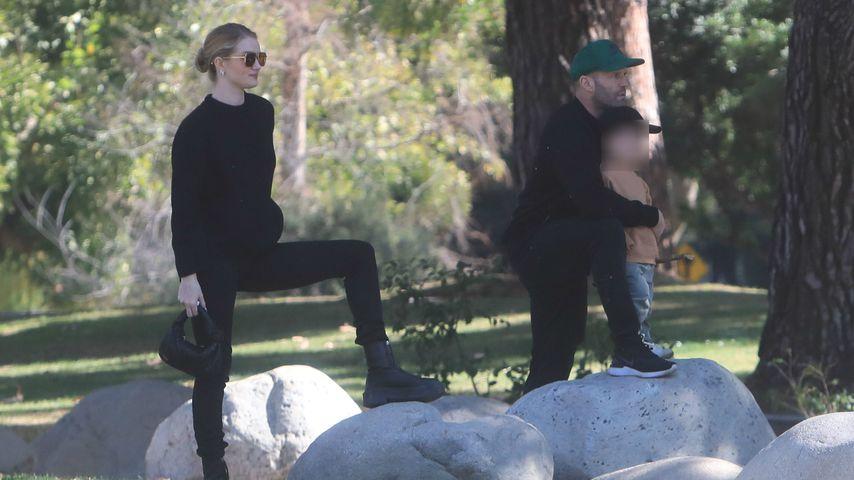 Rarer Moment: Jason Statham mit seiner Familie im Park!