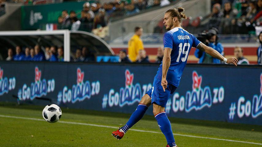Rúrik Gíslason bei einem Spiel mit der isländischen Nationalmannschaft in Kalifornien