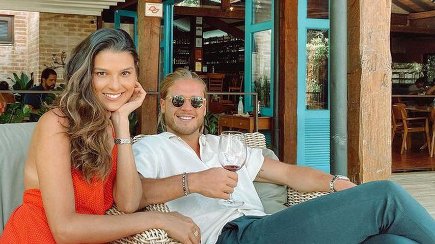 Rúrik Gíslason mit seiner Freundin Nathalia